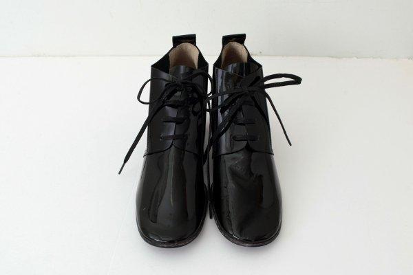 画像2: エナメルレザーヒール紐靴(BK)